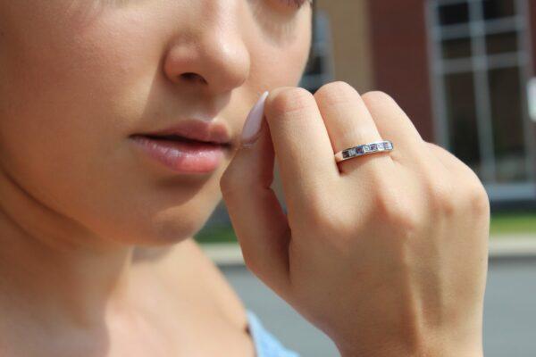 Iolite & diamond wedding band 0.64 (ctw) in 10k white gold