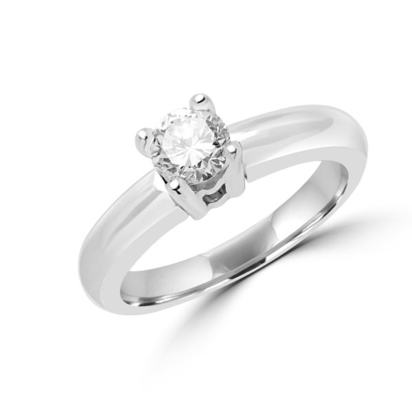 Proposal friendly solitaire diamond engagement ring