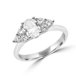 Oval dream diamond engagement ring