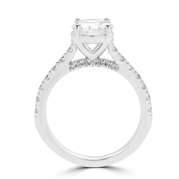 Attention grabbing solitaire diamond engagement ring
