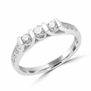 Sparkly diamond engagement ring