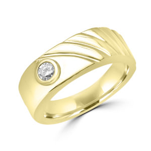 Graceful men's diamond solitaire ring in yellow gold