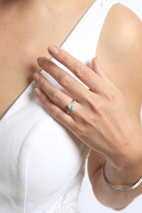 Oval diamond cut halo ring wedding set 1.34 (ctw) 14k white gold