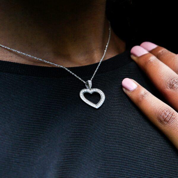 Diamond heart pendant 0.32 (ctw)in 14k white gold